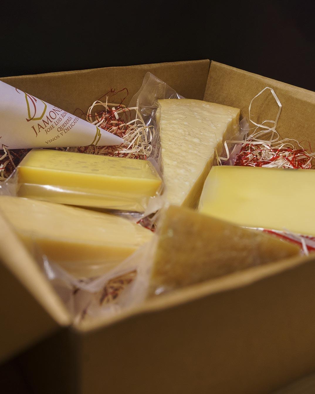 Tablas de degustación de quesos de Andalucía, Quesos de España o Quesos de Europa. Pasión por el queso en Jamonería José Luis Romero