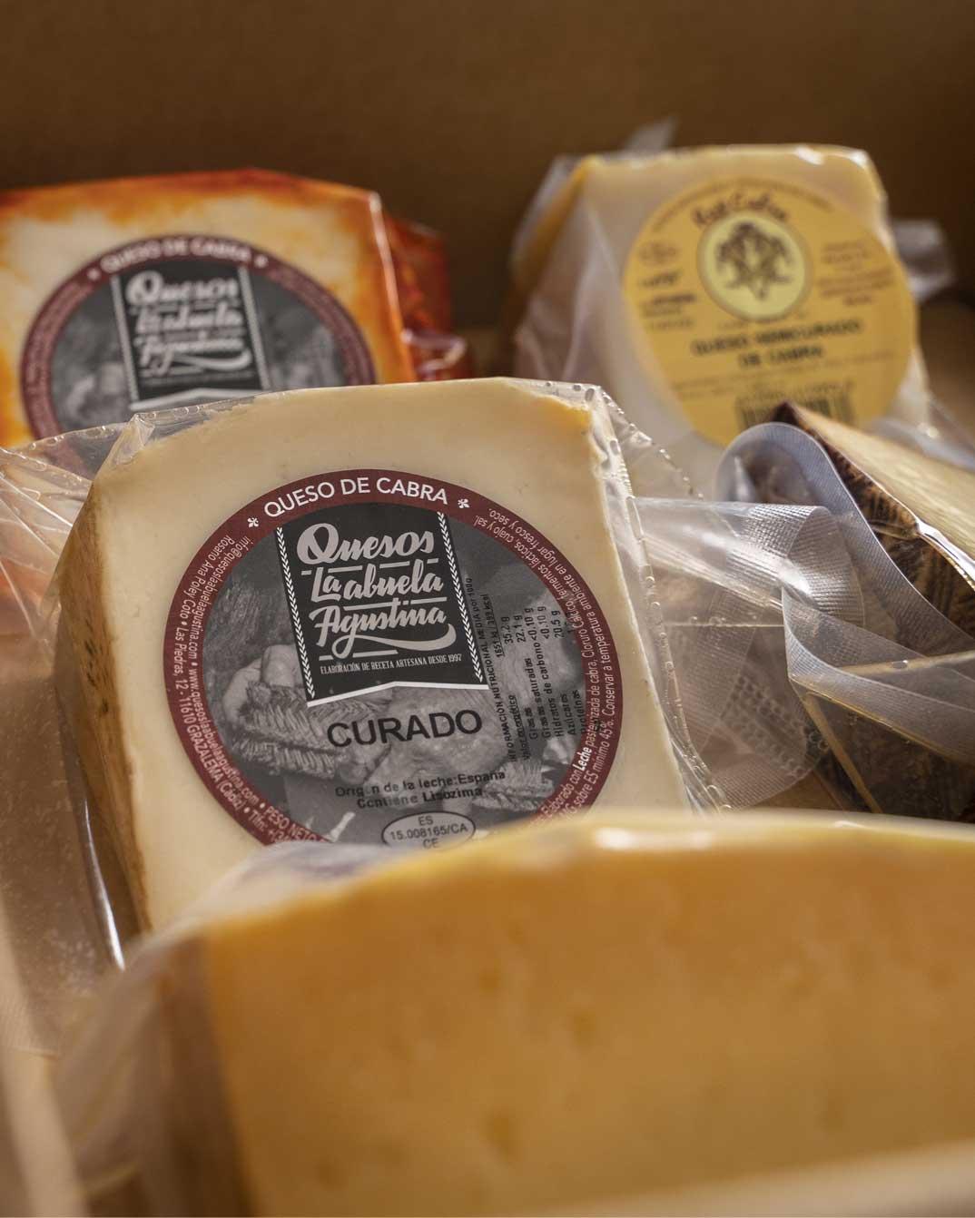 Tablas de degustación de quesos de Andalucía en Jamonería José Luis Romero. Pasión por el queso